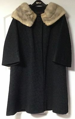 Vintage Women's Black Coat Jacket With Real Fur Collar Sz Med-Large Full Lining