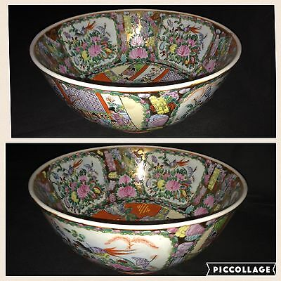 20Th Century Large Pair Of Chinese Famille Rose Bowls