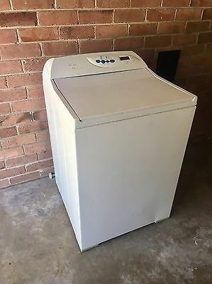 7kg Fisher and Paykel Intuitive Washing Machine.