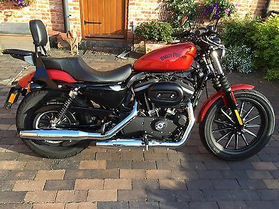 Harley Davidson XL883N Double Leather Seat And Sissy Bar