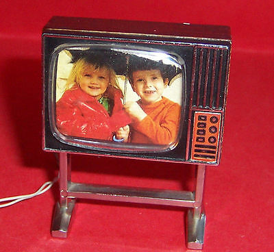 VINTAGE 1970's LUNDBY DOLLS HOUSE LIGHT UP TV