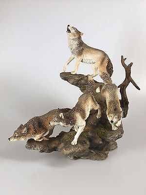 Bradford Exchange 'Mystic Hunters' Wolves Figurine  2007 Limited Edition