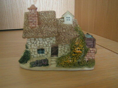 Hand Painted Minature  Country Cottage By Academy