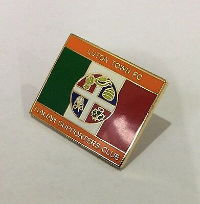 LUTON TOWN Badge Football Club FC Enamel ITALIAN ITALY Supporters Club Pin. 1/4