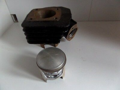 Rare Cylindre Fonte + Piston  Pour  Scooter Motobecane Ou Peugeot  Neuf