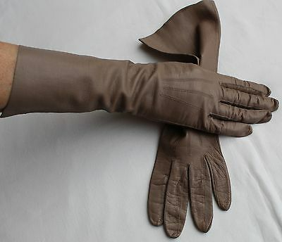 VINTAGE GLOVES in TAUPE Kid Leather Size 7.5     BEAUTIFUL
