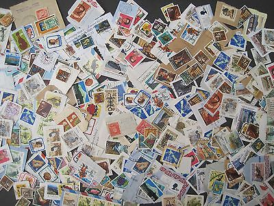 New Zealand. Kiloware/Loose stamps on and off paper. Mostly Modern 250 estimated