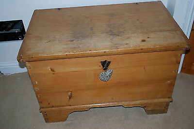 Gorgeous large waxed Antique Pine Blanket Box, rare original key and candle tray