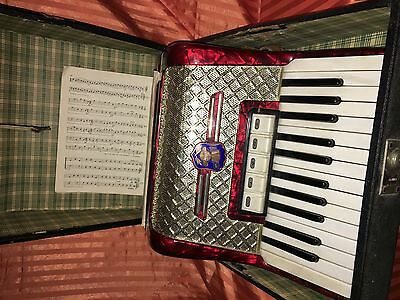 SALE ✂ WELTMEISTER 40 bass ACCORDION Great ! CONDITION