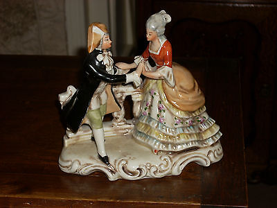Groupe Couple Marquis Marquise Statuette Porcelaine Allemande Signee Numerotee