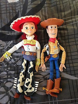 personnages Woody et Jessy parlant