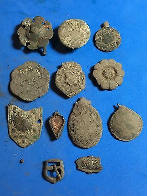 Lot Of Metal Detecting Finds.r