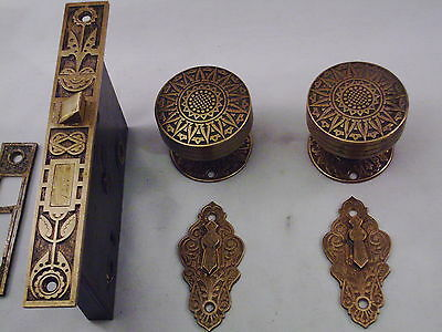 Antique Cast Bronze Door Knob Set Russell Erwin Fancy Mortise Lock & Key   #617