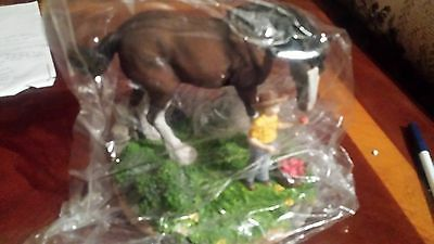1997 Anheuser-Busch AB Budweiser Clydesdale Figurine   Apple for King
