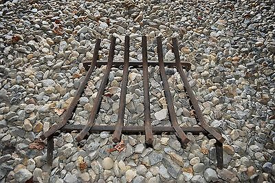 Vintage/antique Cast Iron Fireplace Grate