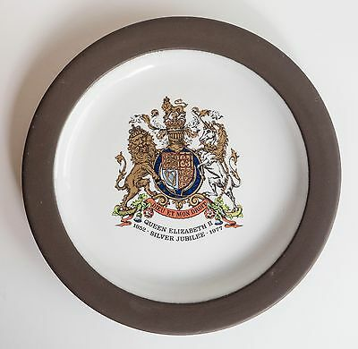 HORNSEA pottery 1977 Queen's Silver Jubilee collectors plate