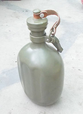 SFRJ YUGOSLAVIA - JNA ARMY CANTEEN / WATER BOTTLE (EARLY TYPE 1960s / 1970s)