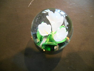 Dynasty Gallery Heirloom Collectible Paper Weight White Flowers Excellent Plus