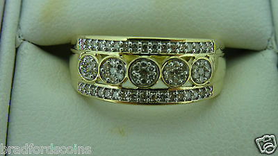 9ct Yellow Gold Diamond Cluster Band 3.9 Grams