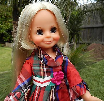 Vintage Ideal  LOOK AROUND  VELVET Crissy Doll wearing original outfit & shoes