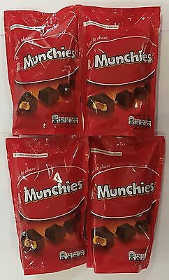 909507 4 x 126g BAGS OF MUNCHIES - CHOCOLATES WITH CARAMEL & BISCUIT CENTRE - SA