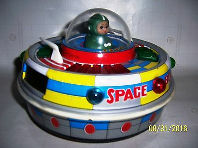 Red China Tin Toy#ME780 SPace UFO Astronaut Rocket Shanghai very Old excellent