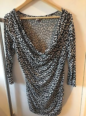 maternity top size M