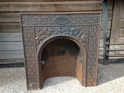 Metal fire place / surround / cast iron / vintage