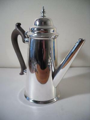An Antique Georgian Style 'Goldsmiths' Silver Coffee Pot : London 1916