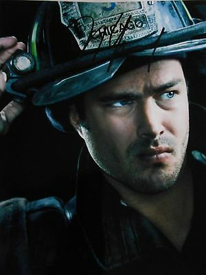 Taylor Kinney  8x10 auto photo in Excellent Condition