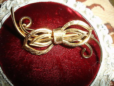 Vintage Brushed gold plated BOW Brooch - Unknown