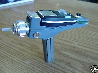 STAR TREK 23d CENTURY PHASER PISTOL PROP MODEL KIT