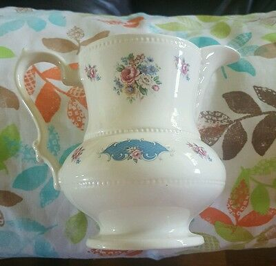 Lord Nelson pitcher creme floral