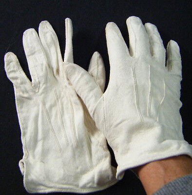 Vintage Short White Doeskin Leather Gloves Size 7 Made in England Archie Brown