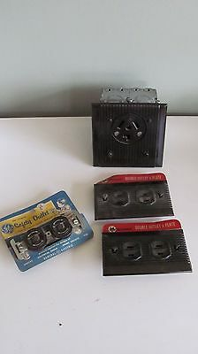 Four Bakelite Vintage Outlets And Plates One 250 Volts