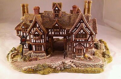 The Kings Arms By Lilliput Signed MIB