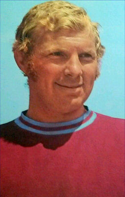 Fridge Magnet Football z Bobby Moore West Ham 7cm x 4.5cm Sports Soccer Bespoked