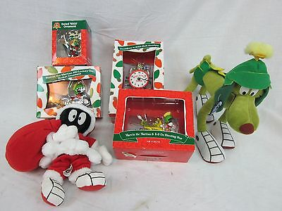 Lot of 4 Marvin The Martian Ornaments Year 2000 - New NIB & 2 plushes!