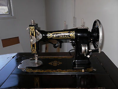 White Rotary Antique Sewing Machine W/ Table