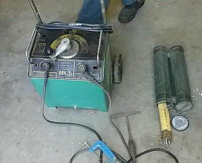 Arc welder,  with helmet and rods. kit ready to go. Pick up only Baxter.