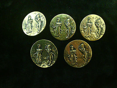 FIVE OLD  PERIOD FRENCH METAL  BUTTONS. In very nice condition.