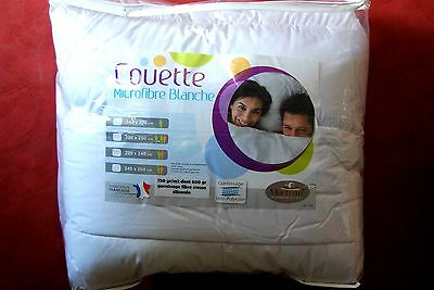 COUETTE Blanche 240x220 TRÈS CHAUDE 550 grs m2 en microfibres Made in France