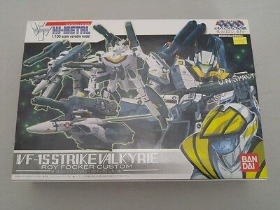 BANDAI VF HI-METAL The Super Dimension Fortress Macross VF- 1S Strike Valkyrie
