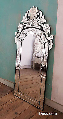 DUSX Vintage Venetian Scalloped Arched Mirror with Crown and Etching
