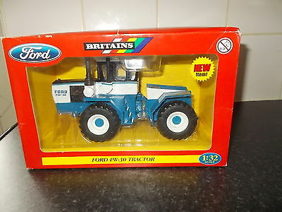 Britains Ford Diecast Fw 30 Tractor 1/32 Scale Boxed