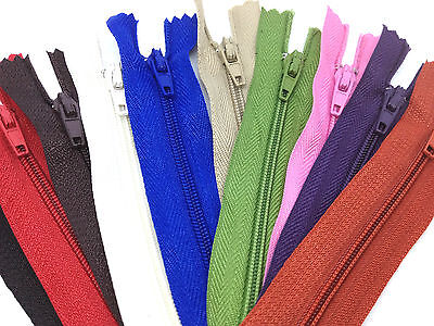 Nylon Closed end No 3 Autolock Zips for sewing & crafts, 26 COLOURS 13 ZIP SIZES