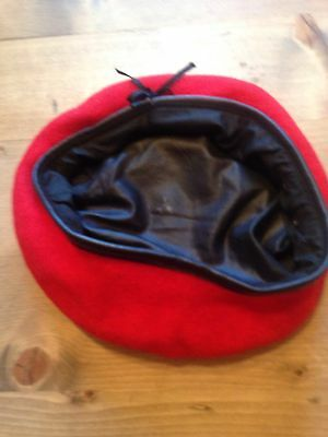 Red Beret Size 7 1/4
