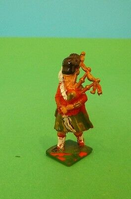 Original 1:32 painted plastic Lone Star Highland Piper