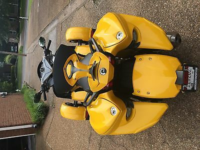 2009 Can-Am SM5  Beautiful 2009 Can Am Spyder