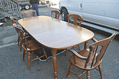 Vintage Heywood Wakefield Dining Room Set with 6 chairs & 3 leafs! PICK UP ONLY!